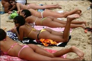 sexy Brazilian beach babes
